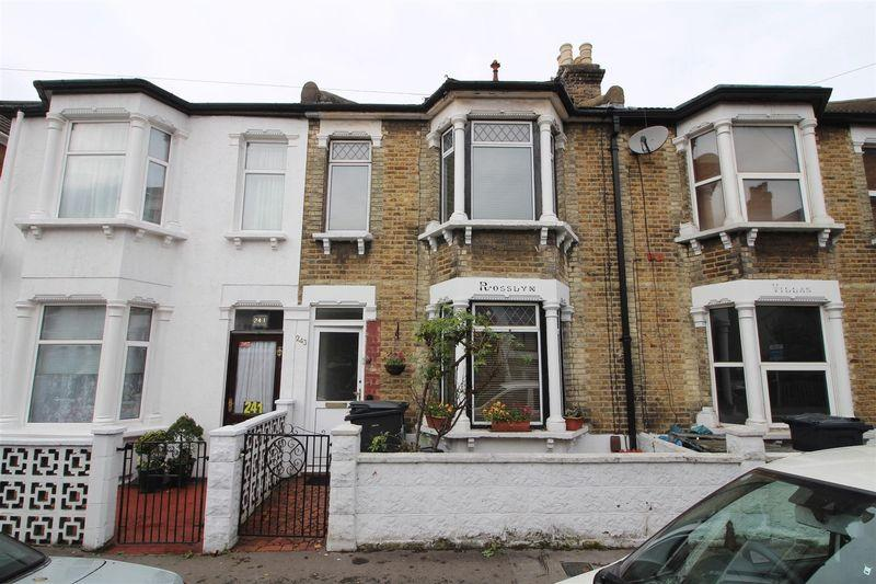 3 Bedrooms Terraced House for sale in Sydenham Road, Croydon