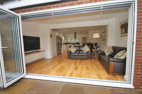 3 bedroom detached bungalow for sale - ST ANDREWS DRIVE, GRIMSBY