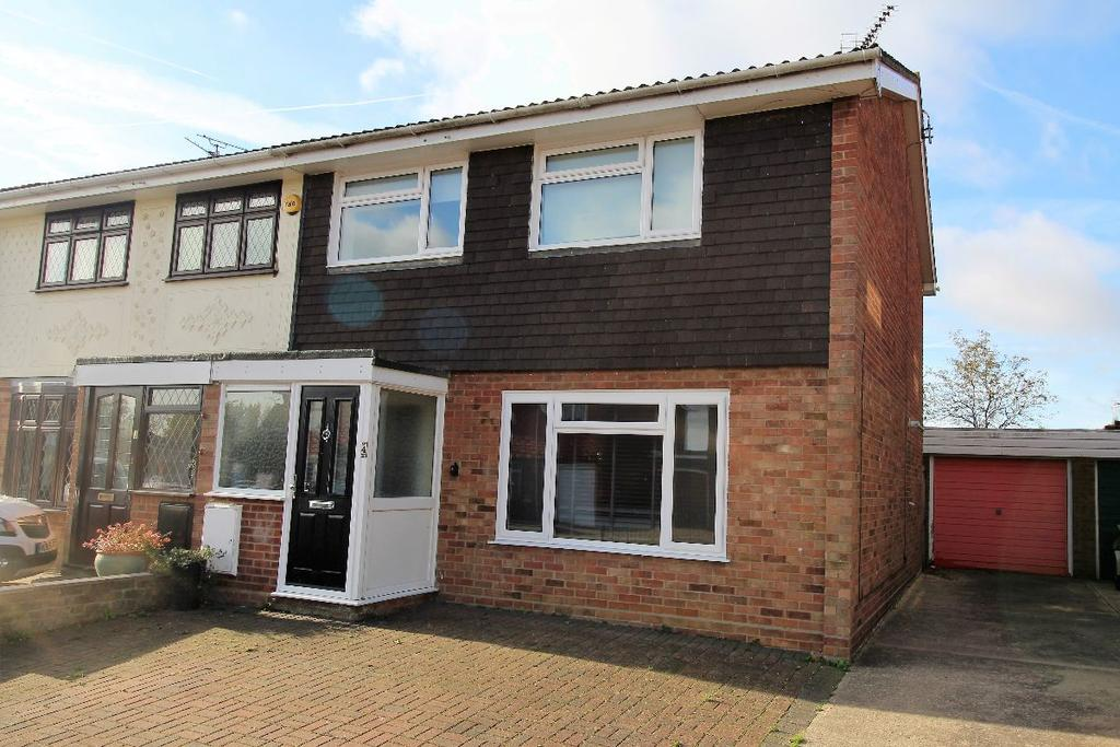 3 Bedrooms Semi Detached House for sale in Harebell Drive Witham Essex CM8 2XB