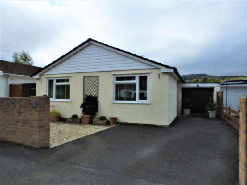 2 Bedrooms Bungalow for sale in Fairhome, Abergavenny, Monmouthshire
