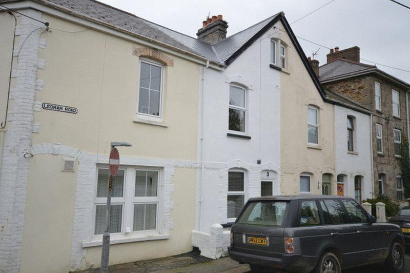 2 Bedrooms Terraced House for sale in Ledrah Road, St Austell