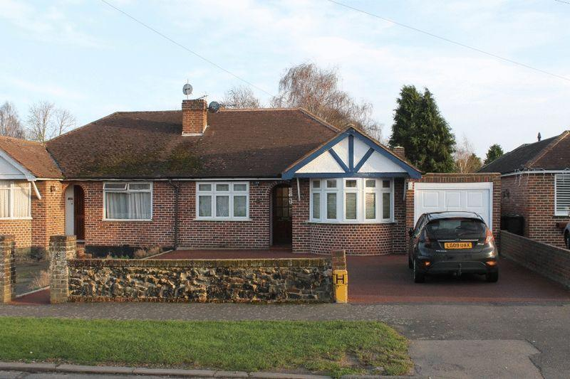 3 Bedrooms Semi Detached Bungalow for sale in FETCHAM