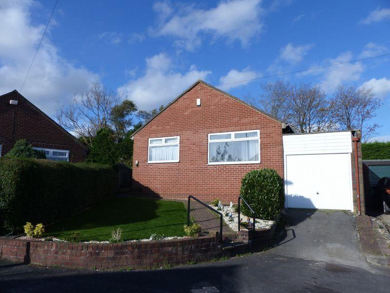 3 Bedrooms Detached House for sale in Warwick Close, Oldham