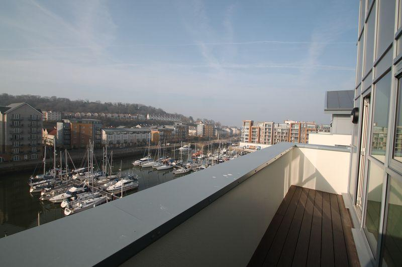 3 Bedrooms Penthouse Flat for sale in Mizzen Court, Portishead