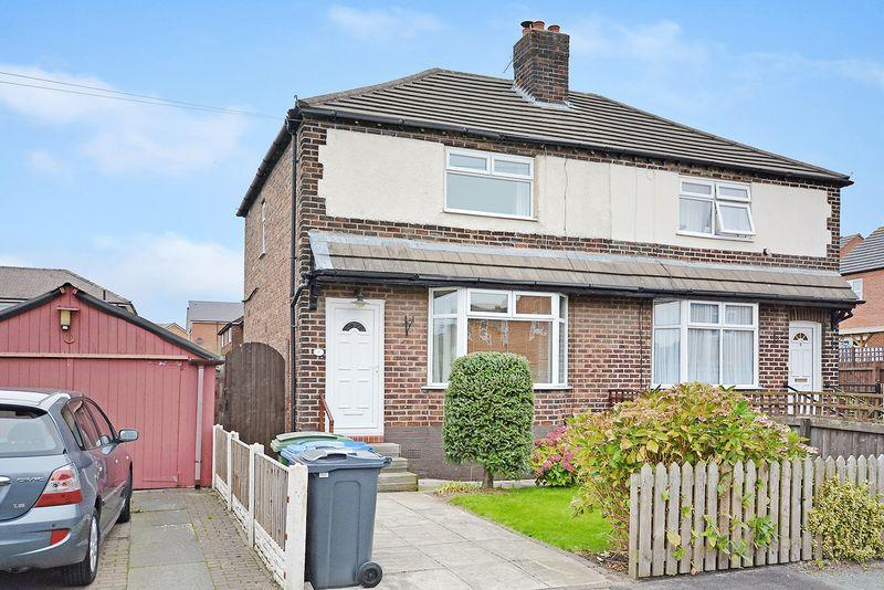 2 Bedrooms Semi Detached House for sale in Parkfield Avenue, Latchford, Warrington