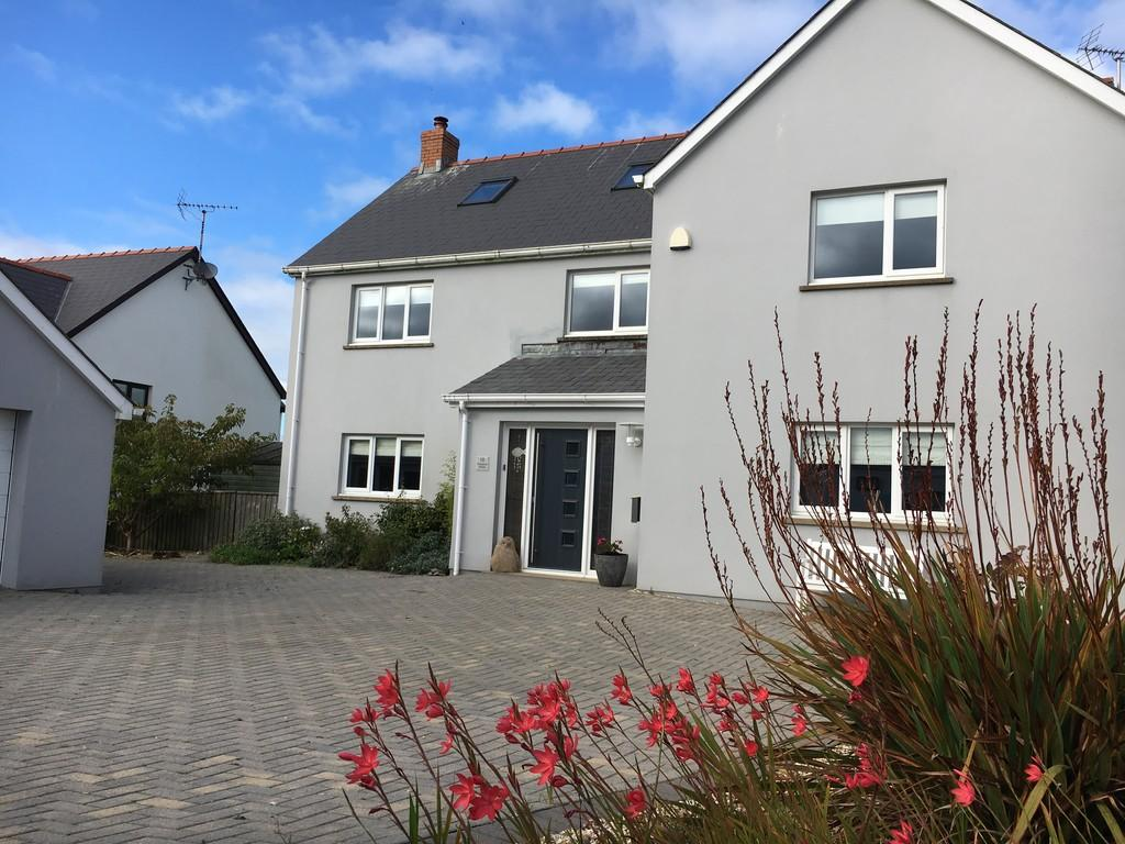 6 Bedrooms Detached House for sale in Rock Pool House