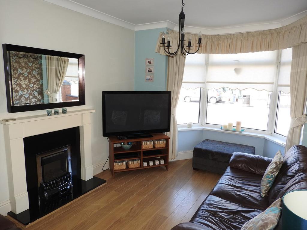 3 Bedrooms Semi Detached House for sale in Alexandra Road, Gorseinon, Swansea, SA4
