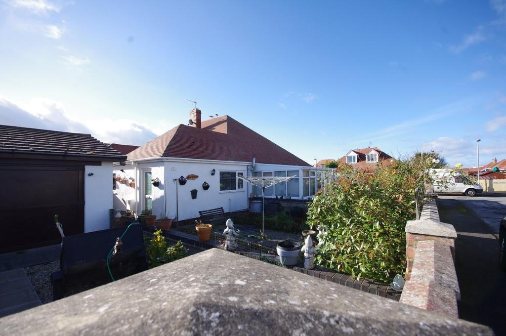 3 Bedrooms Semi Detached Bungalow for sale in Kynaston Road, Prestatyn