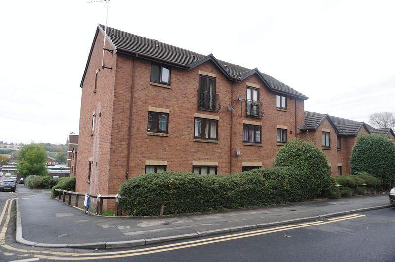 2 Bedrooms Apartment Flat for sale in Hilton Court, Edgeley