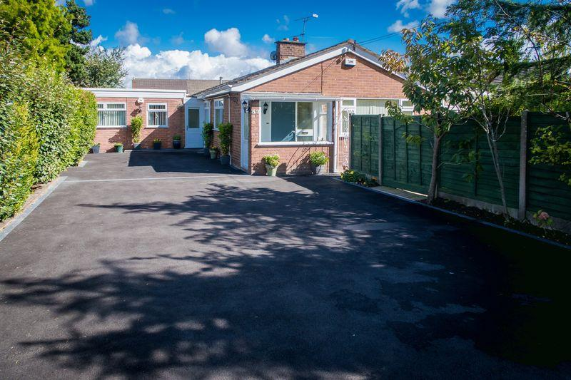 5 Bedrooms Detached Bungalow for sale in Thingwall Drive, Irby