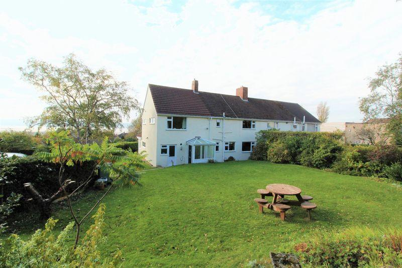 4 Bedrooms Semi Detached House for sale in Oldfield Drive, Lower Heswall