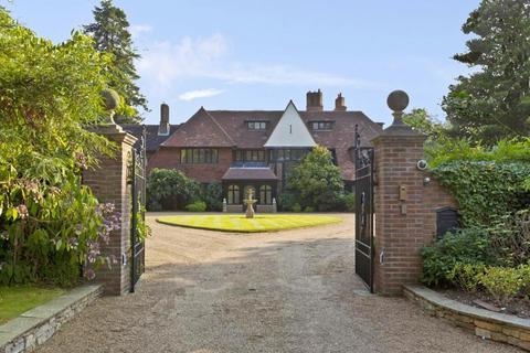 6 bedroom village house for sale - PENTLANDS, HORSESHOE RIDGE, ST GEORGE'S HILL, WEYBRIDGE, SURREY, KT13