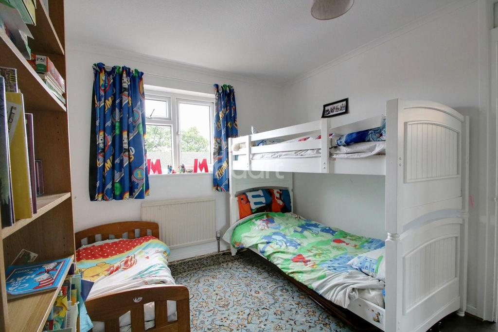 3 Bedrooms Semi Detached House for sale in Wilcox Close, Borehamwood