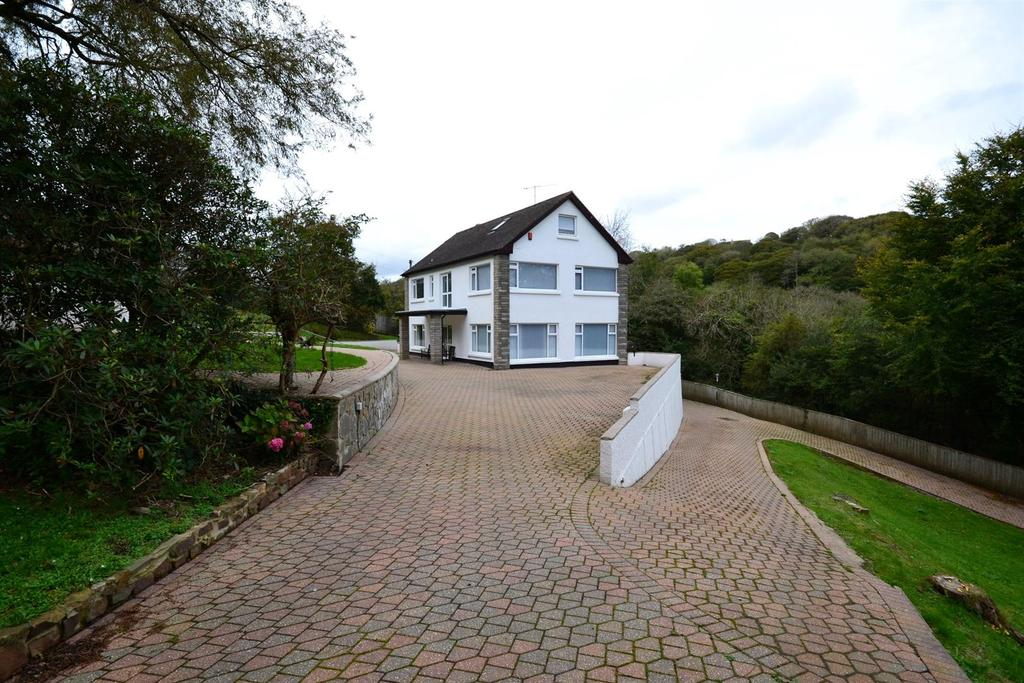 8 Bedrooms Detached House for sale in Amroth