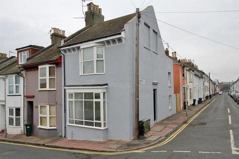 3 bedroom house for sale - Southover Street