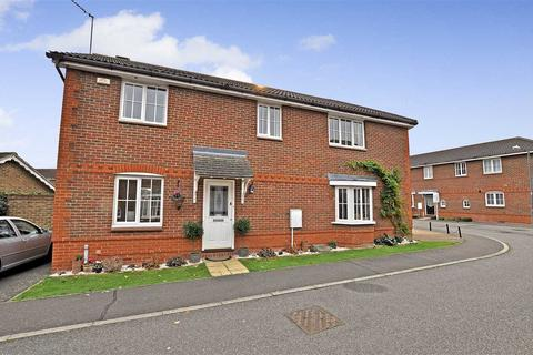 3 bedroom semi-detached house for sale - Silvester Way, Chelmsford