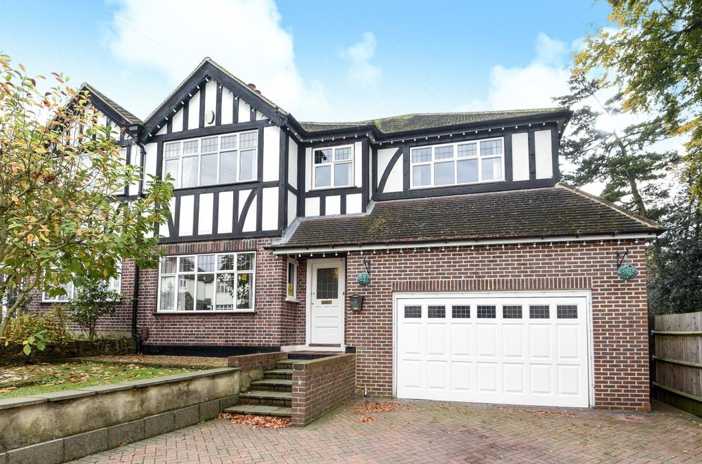 4 Bedrooms Semi Detached House for sale in Beverley Road Bromley BR2