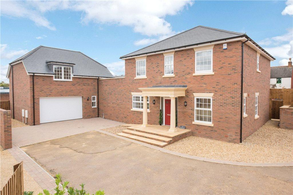 5 Bedrooms Detached House for sale in Brookfields, Potton, Bedfordshire