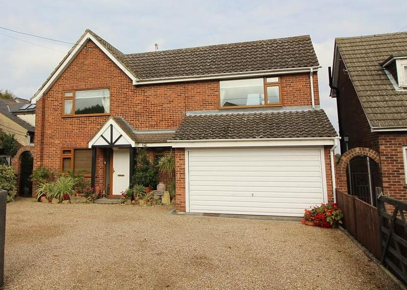 3 Bedrooms Detached House for sale in Runsell Green, Danbury, Chelmsford, Essex, CM3
