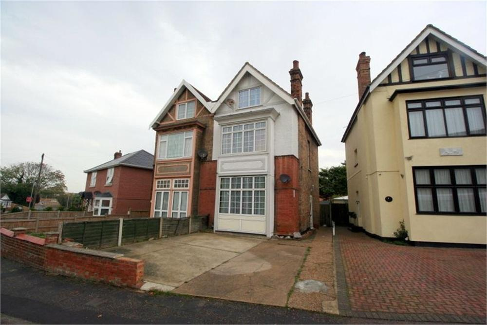 4 Bedrooms Semi Detached House for sale in High Street, WALTON ON THE NAZE, Essex