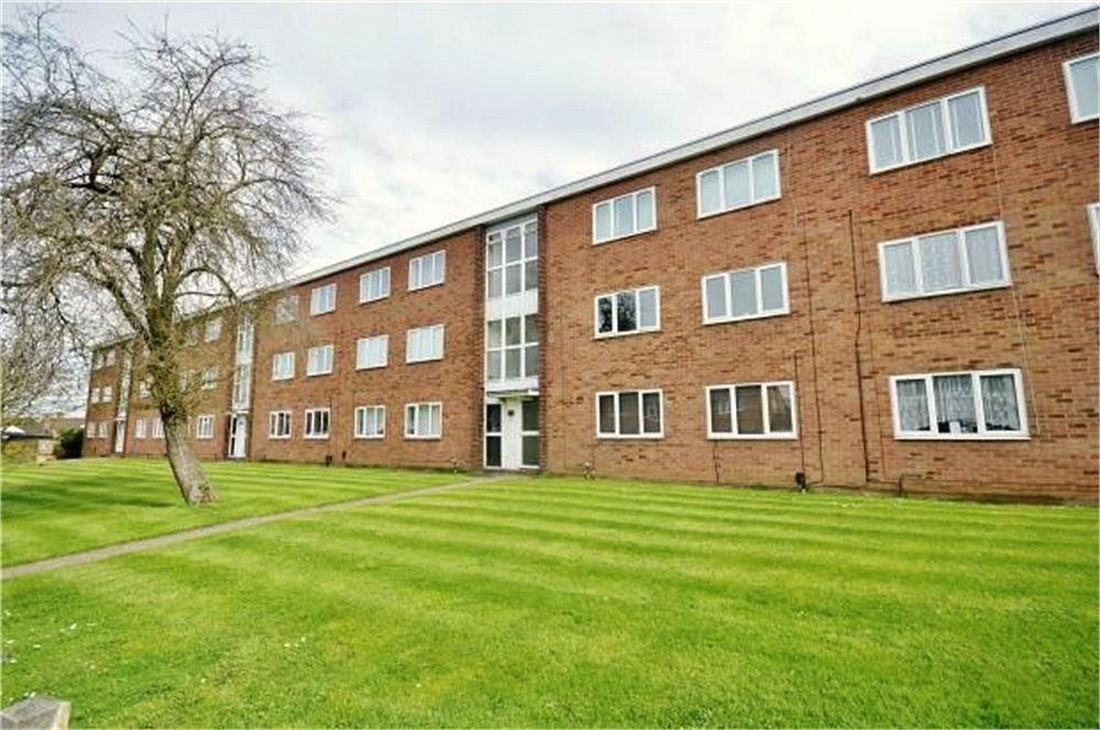 1 Bedroom Flat for sale in Bembridge House, Linden Lea, WATFORD, Hertfordshire