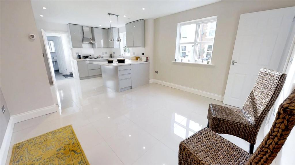 4 Bedrooms End Of Terrace House for sale in Eagle Road, Guildford, Surrey, GU1