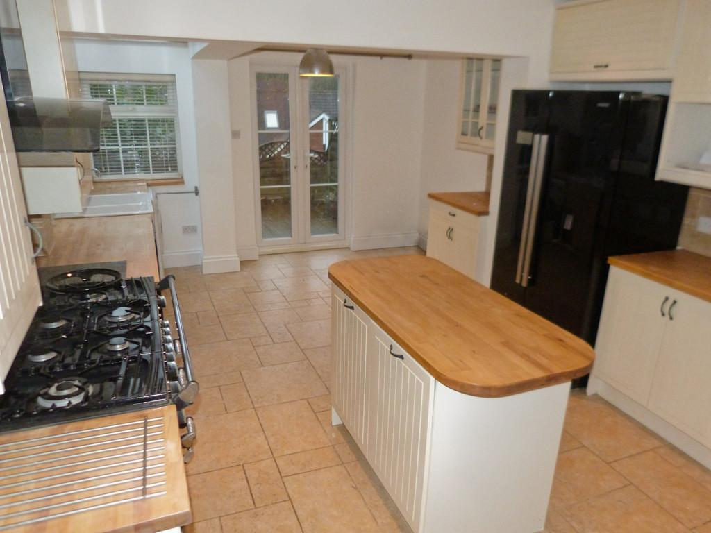 2 Bedrooms Semi Detached House for rent in Haslemere