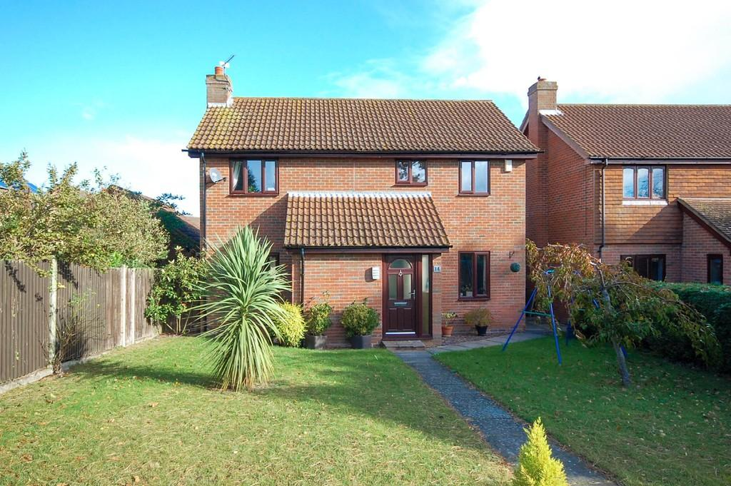 4 Bedrooms Detached House for sale in Corsican Walk, Beltinge, Herne Bay