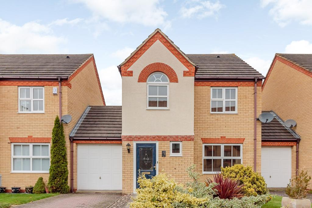 3 Bedrooms Link Detached House for sale in Quail Walk, ROYSTON, SG8