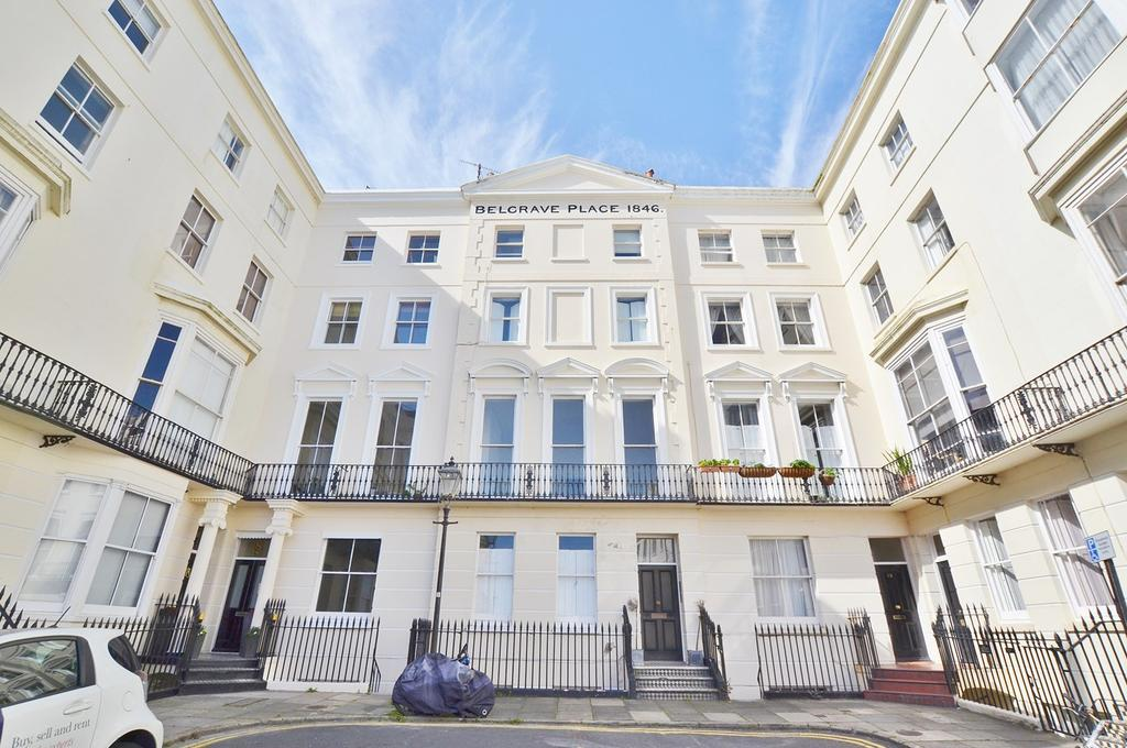 2 Bedrooms Apartment Flat for sale in Belgrave Place, Brighton, BN2