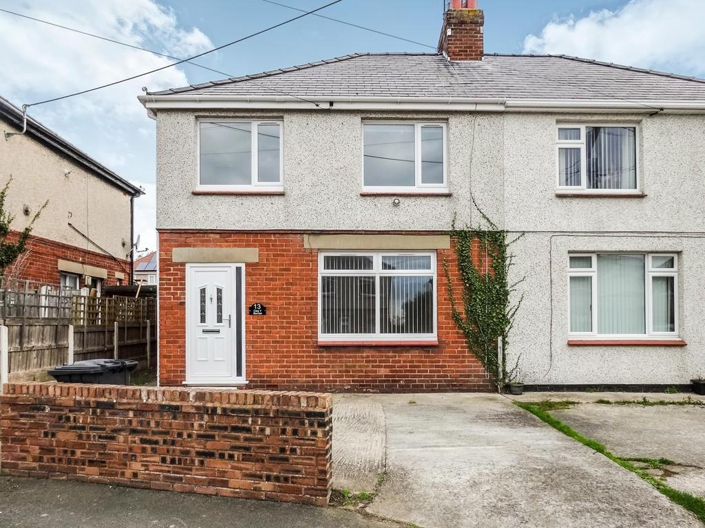 3 Bedrooms Semi Detached House for sale in Clos Y Berllan, Rhuddlan