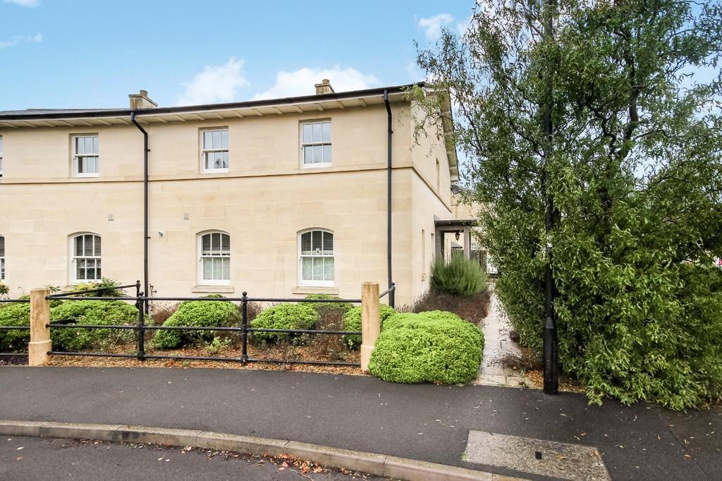 4 Bedrooms Semi Detached House for sale in Kempthorne Lane, Bath