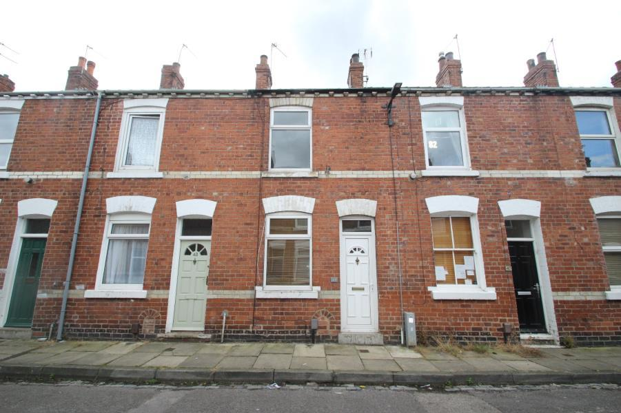 2 Bedrooms Terraced House for sale in ROSEBERY STREET, YORK, YO26 4YX