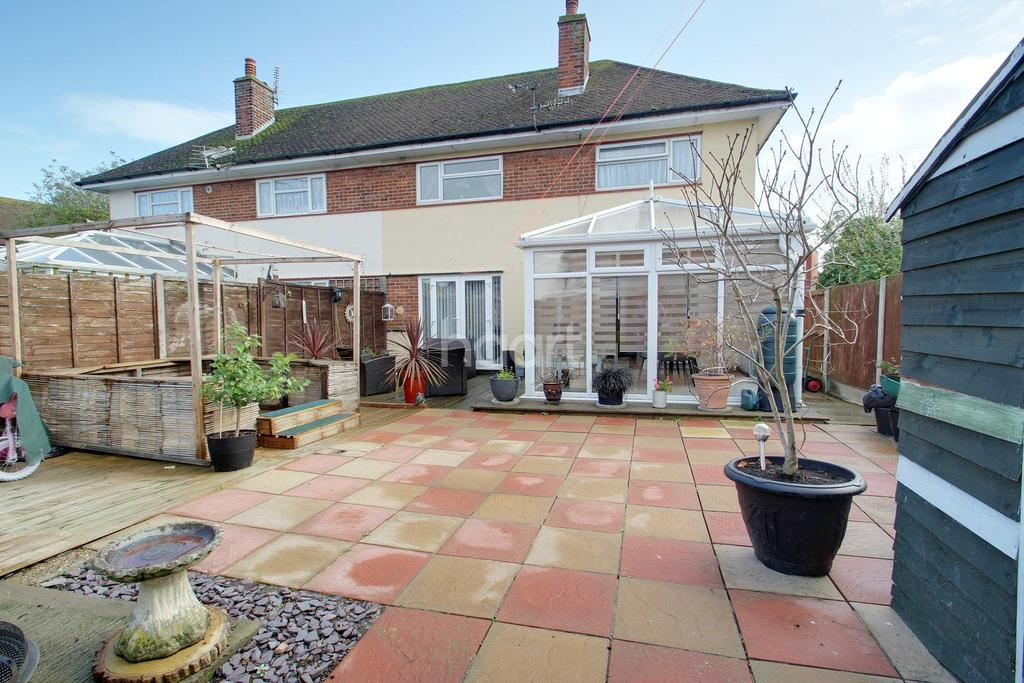 3 Bedrooms Semi Detached House for sale in Bathurst Close, Ramsgate, CT12