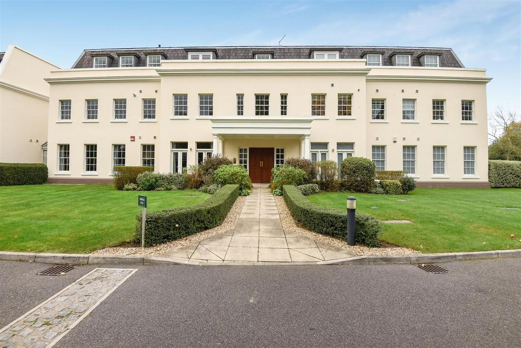 2 Bedrooms Apartment Flat for sale in Tortington Manor