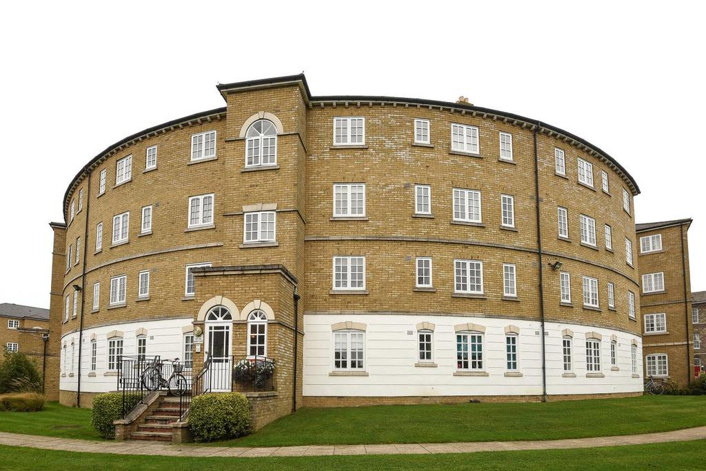 2 Bedrooms Flat for sale in Gilbert Close, Shooters Hill