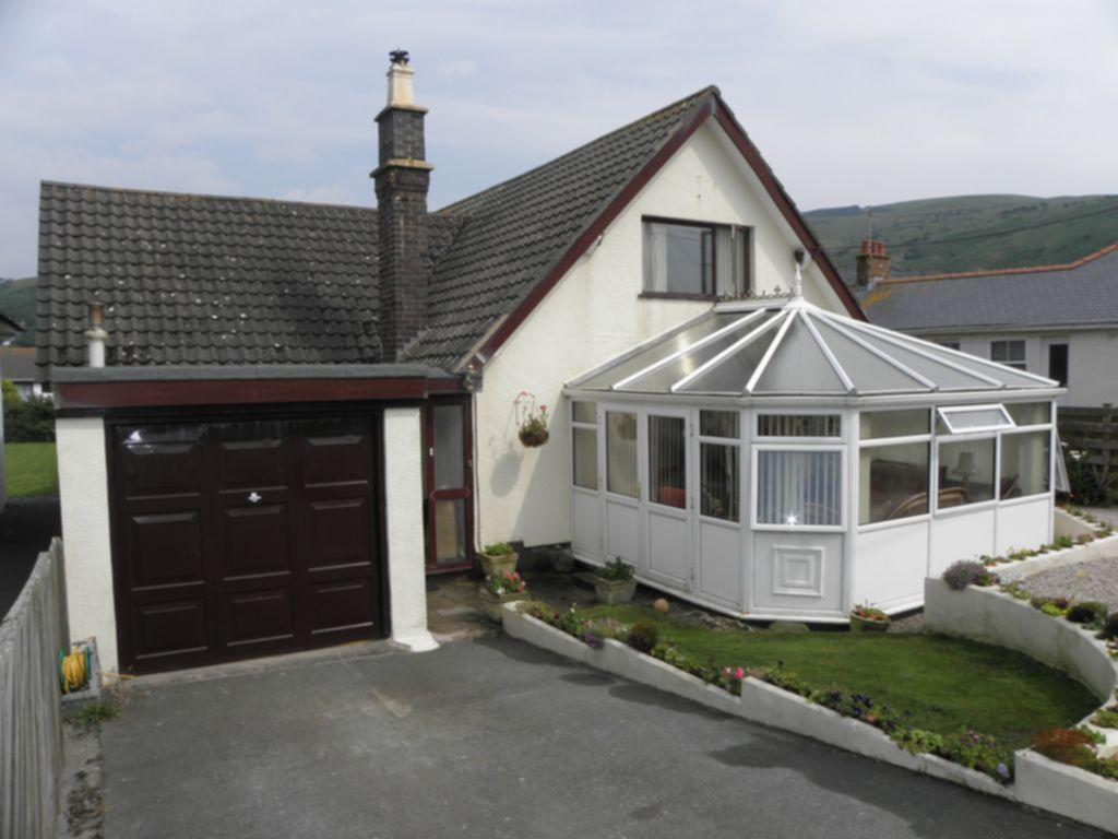 4 Bedrooms House for sale in Farcroft, Penrhyn Drive South, LL38
