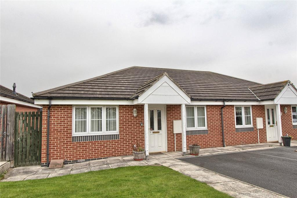 2 Bedrooms Semi Detached Bungalow for sale in St Francis Close, Acklam