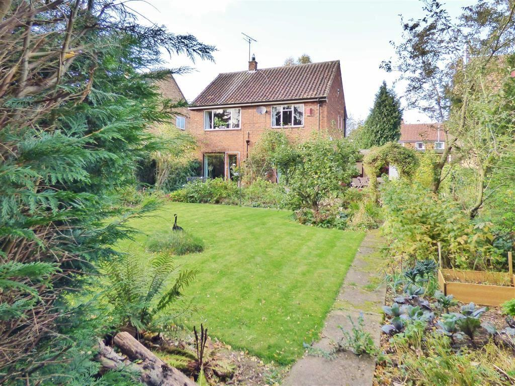 3 Bedrooms Detached House for sale in Molescroft Park, Beverley