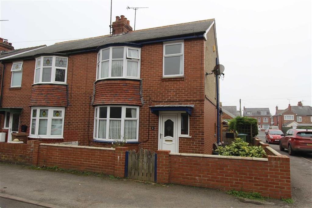 3 Bedrooms Semi Detached House for sale in St Johns Avenue West, Bridlington, YO16