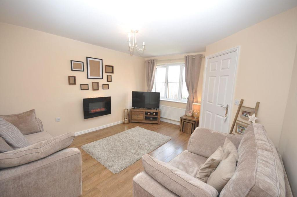 3 Bedrooms Semi Detached House for sale in Flint Road, Alexandra Park, Sunderland