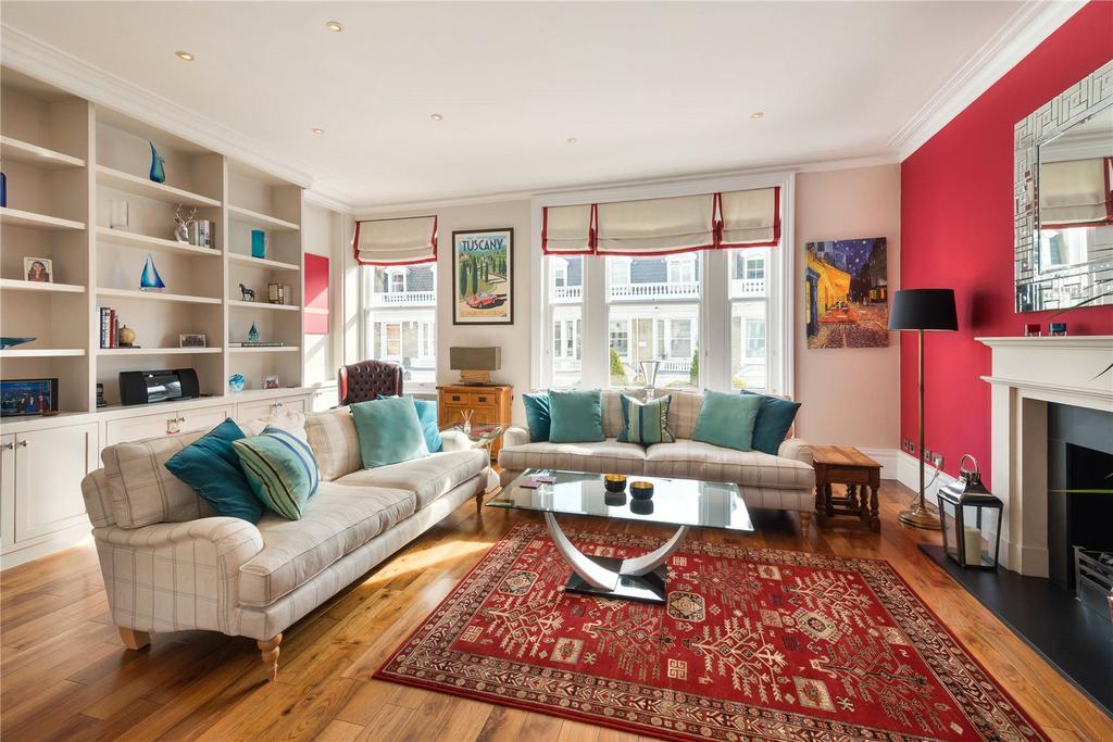3 Bedrooms Flat for sale in Stafford Terrace, Kensington, London