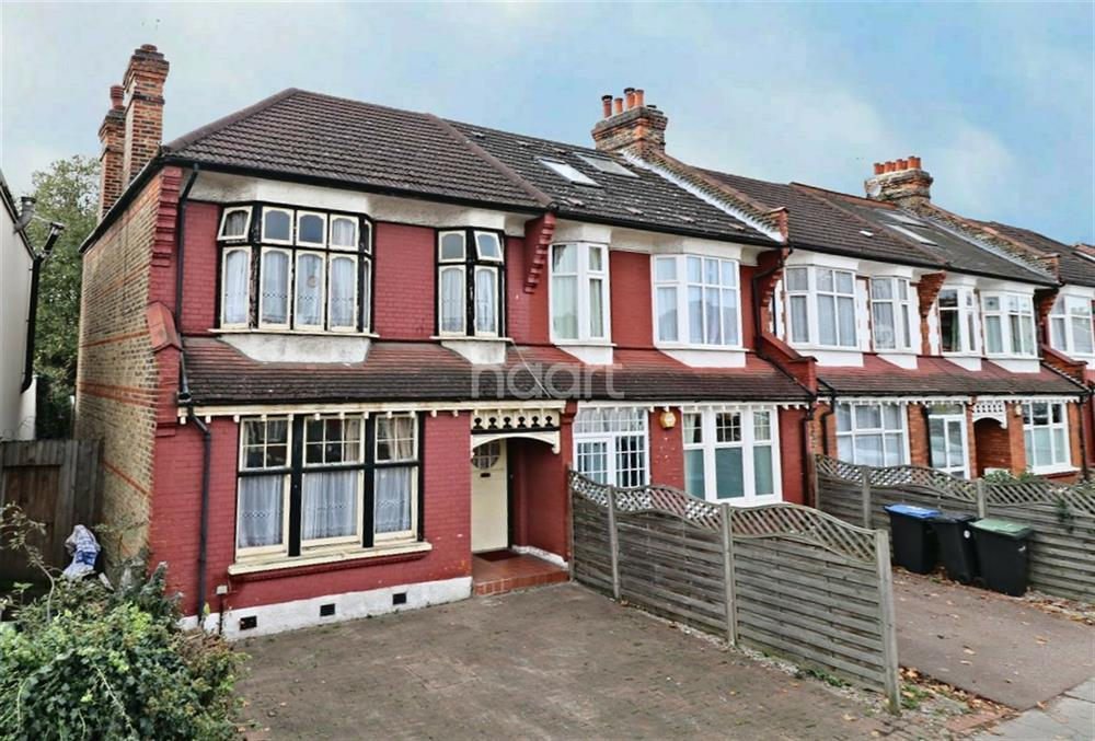 3 Bedrooms Semi Detached House for sale in Hazelwood Lane, Palmers Green, N13