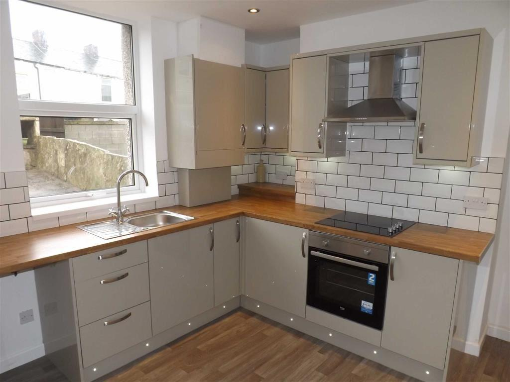 3 Bedrooms Terraced House for sale in Avenue Parade, Accrington