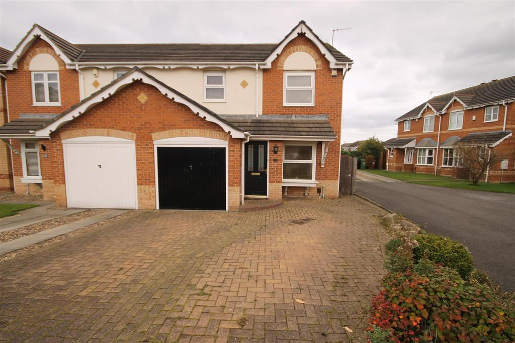 3 Bedrooms Semi Detached House for sale in Thornbury Close, Highfields, Hartlepool