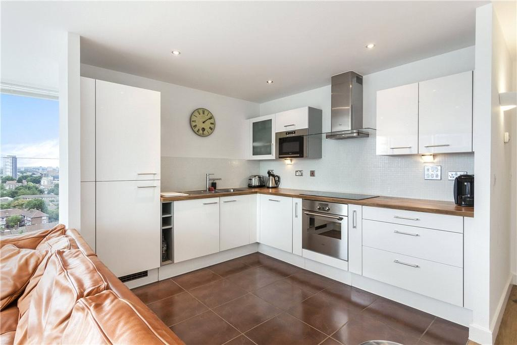 2 Bedrooms Flat for sale in Alaska Apartments, 22 Western Gateway, Royal Docks, London, E16