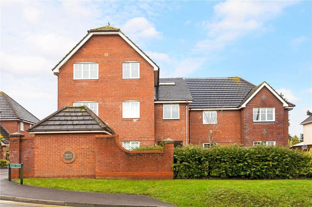 1 Bedroom Flat for sale in Grove Court, Newtown Road, Newbury, Berkshire, RG14