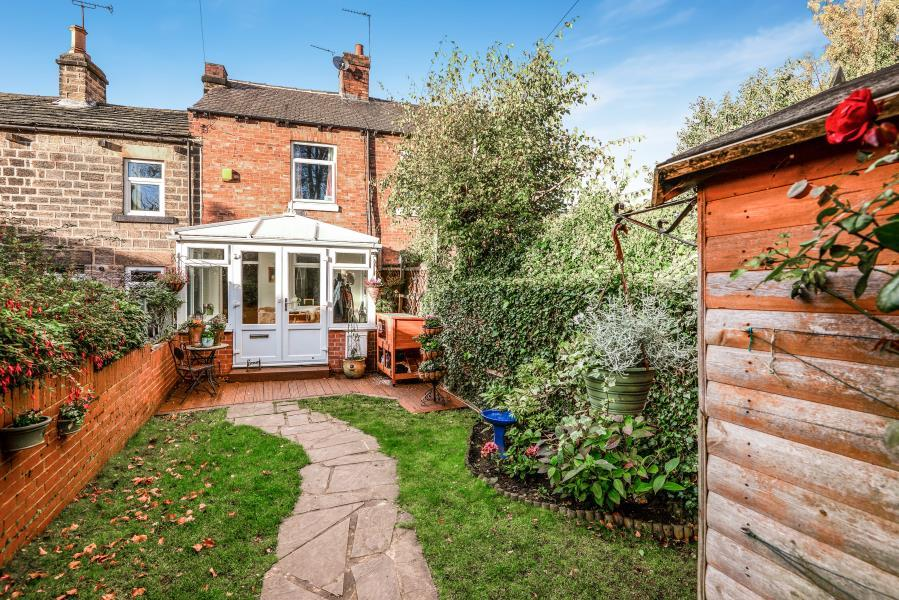 2 Bedrooms Cottage House for sale in ALMSHOUSE LANE, NEWMILLERDAM, WAKEFIELD, WF2 7ST