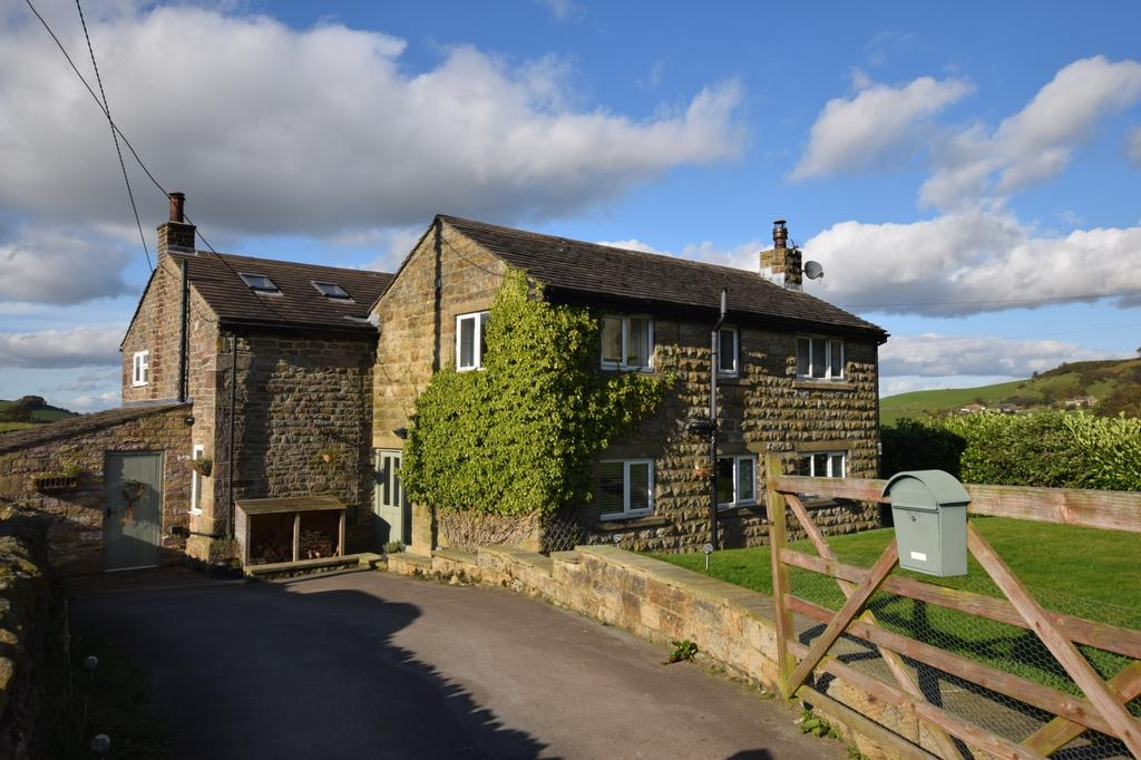 4 Bedrooms Detached House for sale in Combs, High Peak