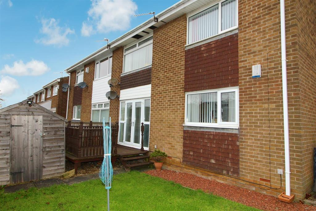 2 Bedrooms Flat for sale in Garth Sixteen, Killingworth, Newcastle Upon Tyne